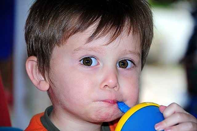 when should a toddler stop using a sippy cup